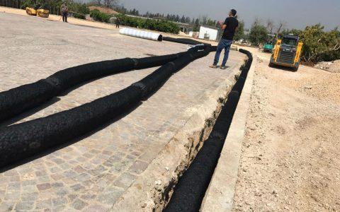 צינורות ללא צורך בחצץ בתוך התעלה